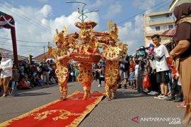 Puluhan peserta fashion carnival meriahkan TCOF