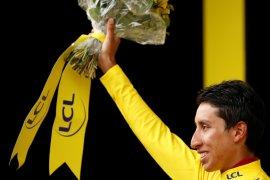 Bernal bersiap sebagai pebalap Kolombia pertama juara