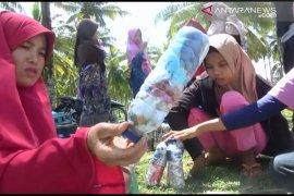 Warga Jorong Maligi Pasaman Barat manfaatkan sampah dengan ekobrik
