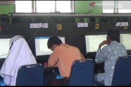 312 siswa SMA sederajat UN perbaikan di Pasaman Barat
