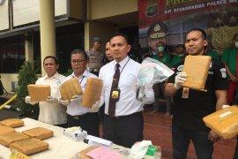 Pores Jakbar tangkap bandar narkoba jaringan kampus