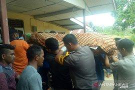 Satpolair Bangka Barat evakuasi penemuan mayat di perairan Jungku