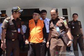 Kejati Aceh tahan mantan Bupati Simeulue