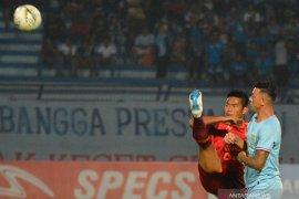 Laga Persela Lamongan vs Borneo FC diwarnai kericuhan