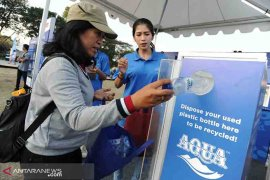 "AQUA kampanyekan #BijakBerplastik lewat ""Run To Care 2019"""