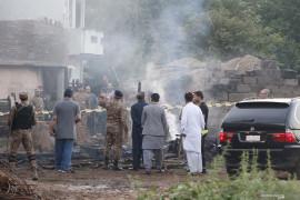 Pesawat militer Pakistan jatuh di dekat Garnisun,  tewaskan 17