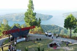 Presiden tekankan penjagaan lingkungan di kawasan wisata Danau Toba