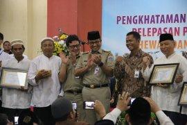 Gubernur Jakarta berikan sertifikat kepada 1.110 juru sembelih halal