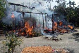 Rumah dihuni sepasang kakek-nenek di Aceh Utara ludes terbakar