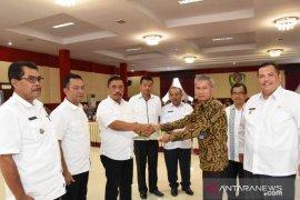 100 Mahasiswa IAKN Tarutung KKN di Tapanuli Selatan