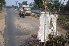 Jalan Jebol di Desa Braja Indah Lampung Timur Page 2 Small