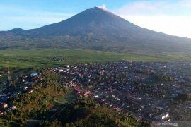 Pasca-erupsi, status Gunung Kerinci tetap waspada
