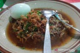Kuliner Mie Kuah Ikan Legendaris Toboali Bangka Selatan (Video)