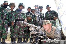 Marinir Indonesia-Amerika latihan teknik-teknik menembak