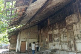 Kondisi bangunan cagar budaya di Indramayu tak terawat