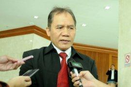 Anggota DPR ingin pemerintah evaluasi konsep tol laut