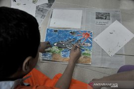 Pasien Rumah Sakit Jiwa Ernaldi Bahar ekspresikan diri lewat seni Page 2 Small