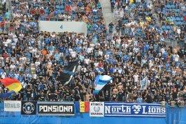 Laga kualifikasi Liga Europa  di Rumania kericuhan lukai wasit