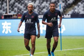 Barcelona miliki opsi beli Neymar untuk tahun depan