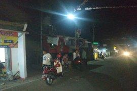 Warga Sukabumi berhamburan  ke luar rumah diguncang gempa 7,4 SR