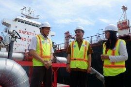 Ekspor perdana 2.000 metrik ton CPO dikapalkan dari KTMT