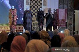 Talkshow Fashion Muslim Page 3 Small