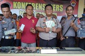 Polisi Indramayu bekuk tujuh pencuri sepeda motor