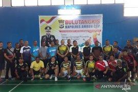 Bulutangkis- Belasan peserta meriahkan turnamen bulu tangkis Kapolres