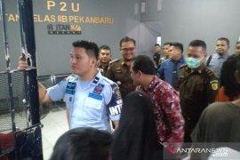 Pemred media online terpidana pencemaran nama baik Bupati Bengkalis dieksekusi