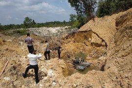 Dua korban kecelakaan tambang timah di Bangka Barat berhasil dievakuasi