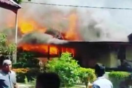 Rumah pimpinan dayah di Aceh Besar  terbakar