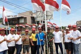 Dandim apresiasi pemasangan seribu bendera merah putih di Pemangkat