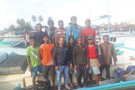 Nelayan Balikpapan selamatkan 11 ABK KM Afiat Samudra yang tenggelam