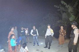 Cegah kriminal pasca-pemadaman listrik,  Polsek Anyer laksanakan patroli