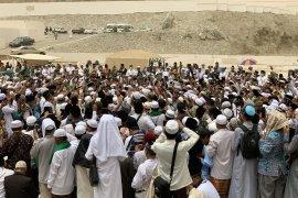 Suhu di Mekkah teduh saat hari wafatnya KH Maimoen Zubair