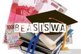Penyaluran beasiswa di Penajam tunggu revisi peraturan bupati