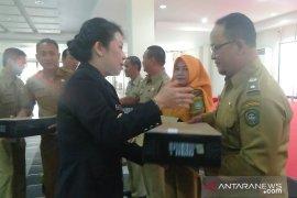 Pemkot Singkawang distribusikan laptop untuk kelurahan