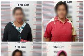 Polisi Pangkalan Susu tangkap empat emak-emak main judi