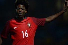 Manchester City resmi mengamankan pemain belia Sporting Lisbon