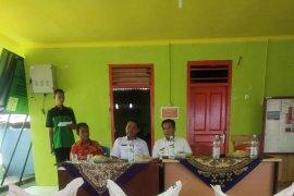 Pemkab Bangka Tengah salurkan bantuan pupuk kepada 200 petani lada