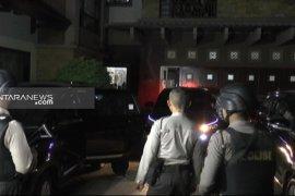 KPK geledah kantor Dishub Jatim, Khofifah: Tidak mau ikut campur