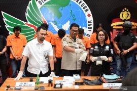 Polisi tangkap 10 orang dalam  kasus narkoba artis