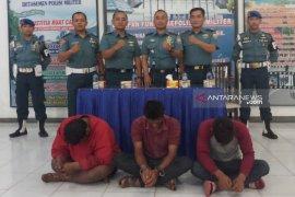 TNI  Angkatan Laut gagalkan penyelundupan TKI ilegal dari Malaysia