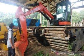 Terkendala qanun, beko amfibi PUPR Aceh Jaya belum difungsikan sejak 2017