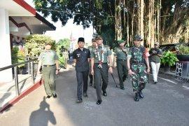 Pangdam Brawijaya tutup TMMD 105 di Trenggalek