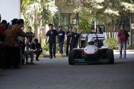 ITS luncurkan mobil listrik formula Anargya EV Mark 1.0