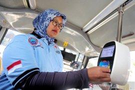 Tarif bus trans metro Bandung Rp1 untuk guru, buruh dan veteran