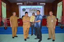 Wali Kota Sibolga serahkan rancangan P-APBD kepada DPRD