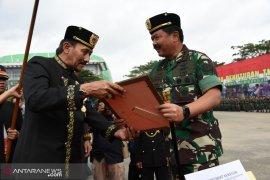 Panglima TNI  dapat gelar Pangeran Wira Ambara dari Kesultanan Kutai