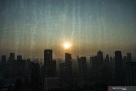 Jakarta kamis pagi ini di posisi ke tujuh udara terburuk sedunia